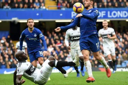 Chelsea le quitó el invicto y el liderato a Manchester City, luego de imponerse 2-0 en un juego donde se defendió bien y aprovechó las oportunidades que generó.