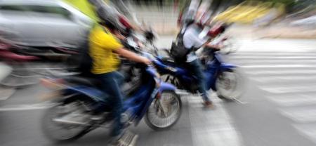 En un verdadero peligro se han convertido las competencias que algunos motociclistas están promoviendo en diversas vías de la capital santandereana.