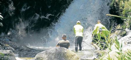 Alertan que cascada La Judía de Floridablanca no debe usarse como un balnerario
