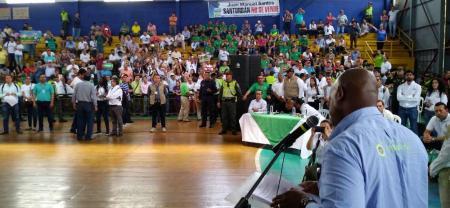La constante desaprobación por parte de los asistentes no le permitió al ministro de Medio Ambiente, Luis Gilberto Murillo Urrutia, intervenir en la reunión de información sobre la delimitación del páramo de Santurbán, una exigencia de la Corte Constitucional.
