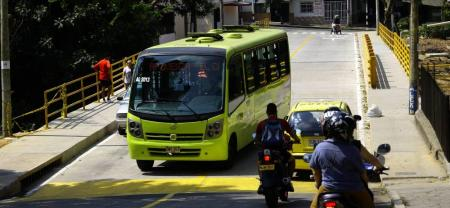 La afectación de la malla vial es otro de los incumplimientos que también se le atribuyen a Metrolínea.