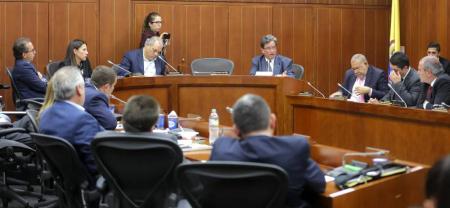 Alberto Carrasquilla Barrera, ministro de Hacienda y Crédito Público, confirmó que los recursos se comenzarán a entregar a más tardar la próxima semana.