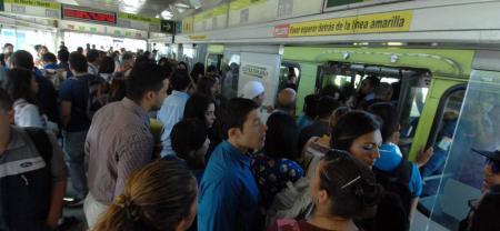 El transporte de los ciudadanos en el servicio de bus cada día que pasa es más demorado. Los usuarios ya no aguantan tantas esperas ni las deficiencias en la cobertura.