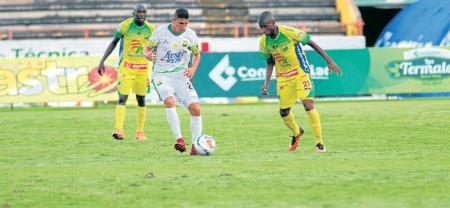 Atlético Bucaramanga continúa imparable en la Liga Águila II de 2018, en la que consiguió la sexta victoria consecutiva, en esta oportunidad en calidad de visitante contra Atlético Huila, con marcador de 2-0, tantos de Michael Rangel y Marlon Torres.