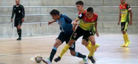 El Club Nantes Santander derrotó en la final masculina a la selección Santander en el Torneo Municipal de fútbol sala Fifa, en un entretenido y disputado juego que se escenificó en el coliseo de la Universidad Autónoma de Bucaramanga.