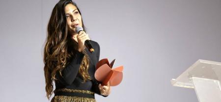 Laura Mora, quien recibió el Premio a Mejor Dirección y Mejor Película, por su cinta 'Matar a Jesús'.