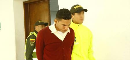 Jaír Rodríguez Mora, vigilante de oficio, deberá responder por el delito de pornografía infantil y actos sexuales con menor de 14 años. El hombre se allanó a los cargos imputados.