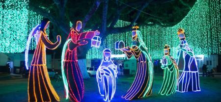 Reunir a las familias en un escenario de luces, alegría, música y naturaleza es uno de los mejores regalos que se pueden compartir en esta Navidad.