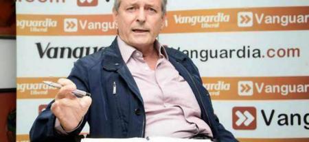 Con la renuncia de Leonidas Gómez, Santander se queda con solo cuatro escaños en el Senado de la República.